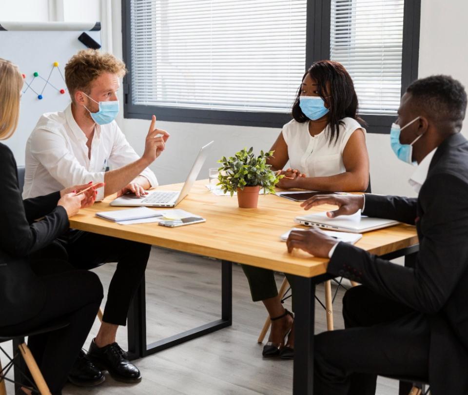 Cinco claves para superar con éxito el nuevo entorno laboral | Economía