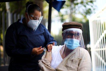 Al día de hoy se tienen estimados 26,807 casos activos de la enfermedad (Foto: Reuters)