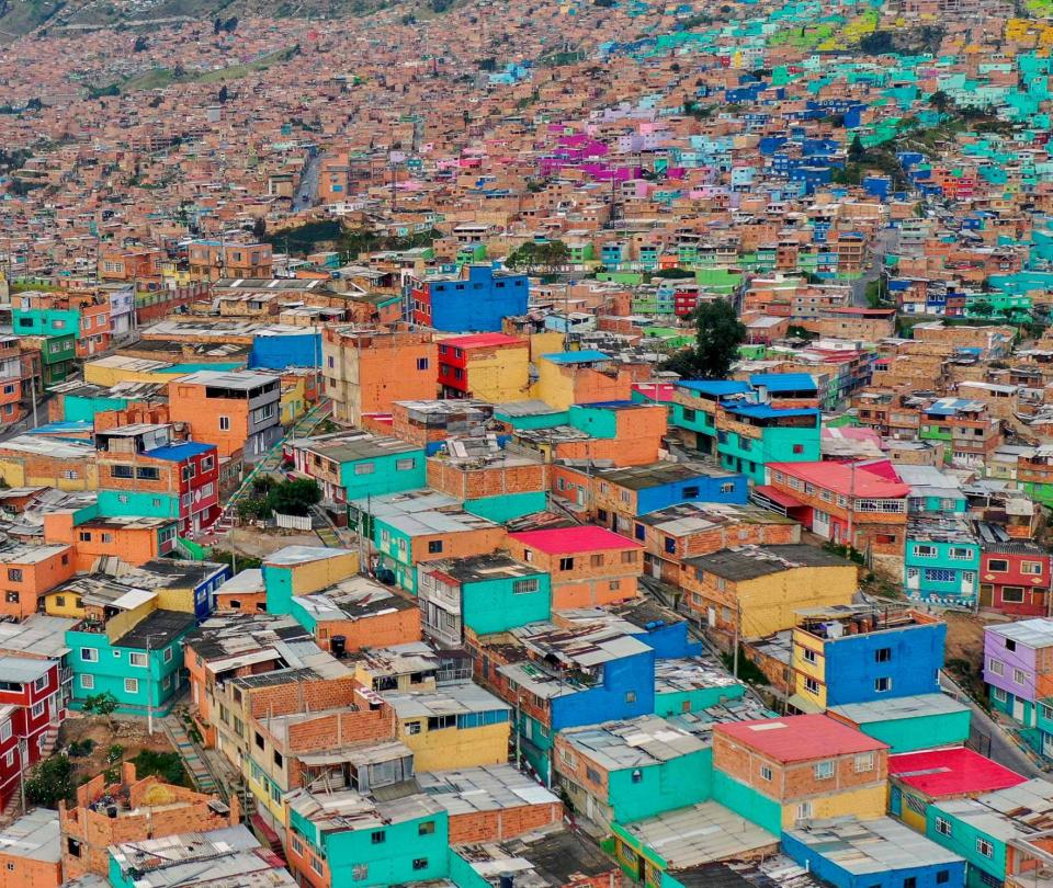 Cuántos hogares han caído en pobreza extrema en el último año en Colombia - Sectores - Economía