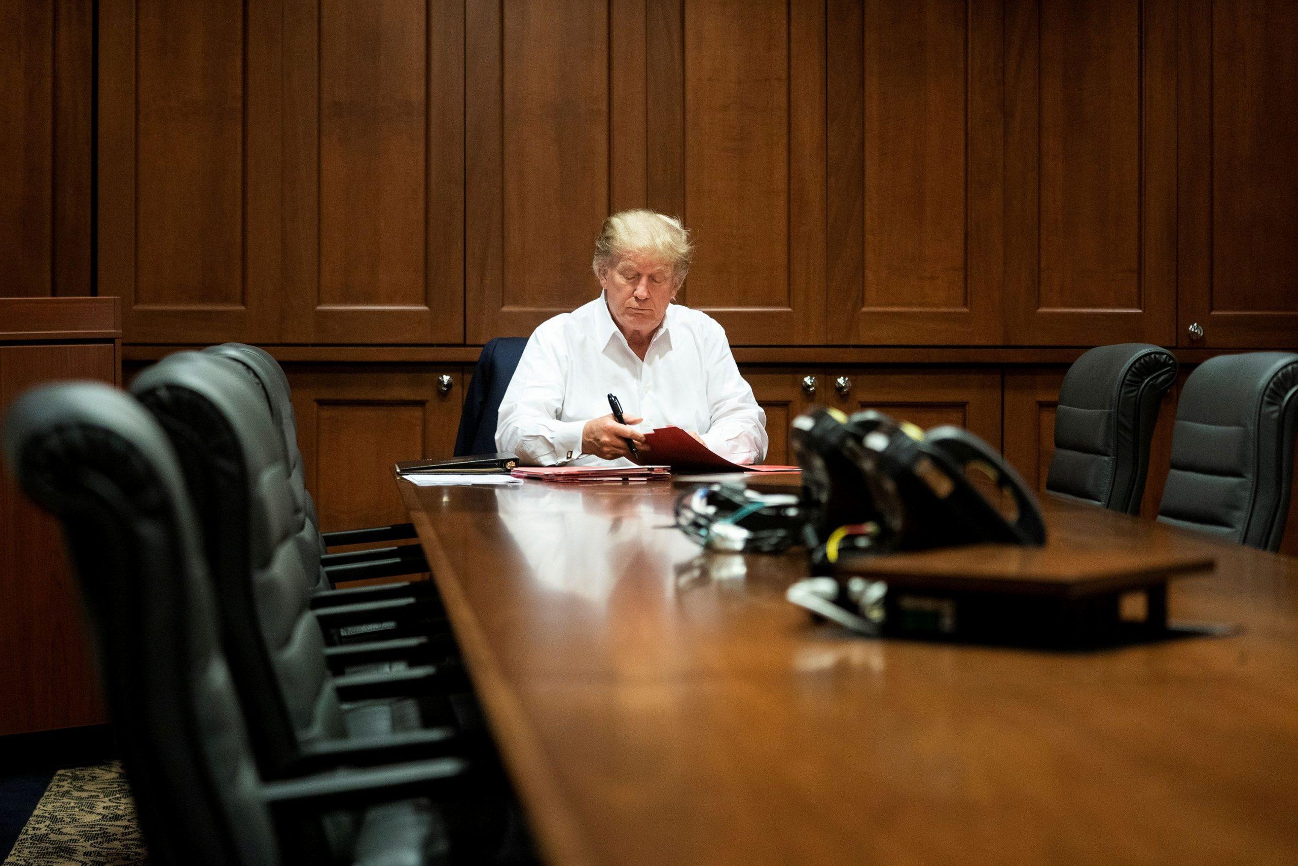 Donald Trump podría ser dado de alta del hospital el lunes