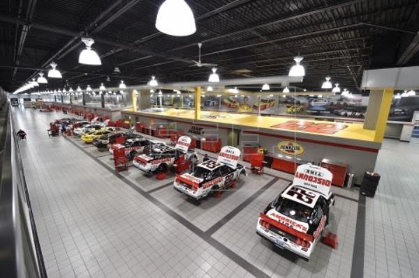 El equipo Penske y Stratasys llevan impresión 3D a las carreras NASCAR e INDYCAR
