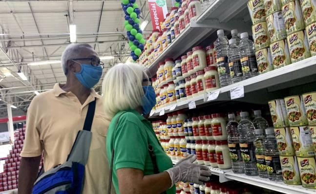 Encuesta dice que 79 % de los venezolanos no tiene suficientes ingresos para comer bien