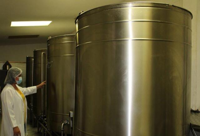 Exportadora de miel de abeja aplica tecnología para elevar calidad del producto final