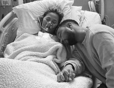 John Legend rinde homenaje a Chrissy Teigen tras la pérdida de su bebé
