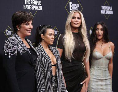 Peoples Choice Awards - Arrivals - Santa Monica, California, U.S., November 10, 2019 - Kris Jenner, Kourtney Kardashian, Khloe Kardashian and Kim Kardashian (L-R). REUTERS/Monica Almeida