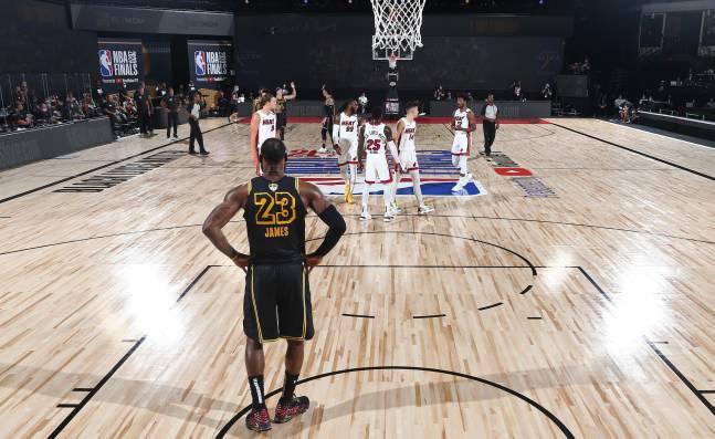 Los Lakers, liderados por LeBron, buscan confirmar su anillo para homenajear a Kobe