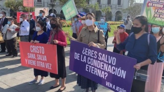 Perú mantiene el estado de alerta a pesar del descenso de casos activos de COVID   Sociedad   Edición América
