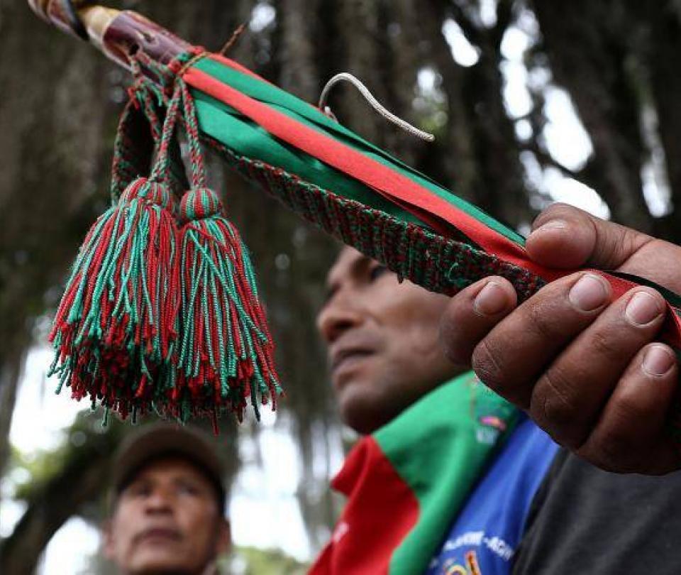 Por su labor en derechos humanos, guardia indígena del Cauca recibe premio internacional - Colombia