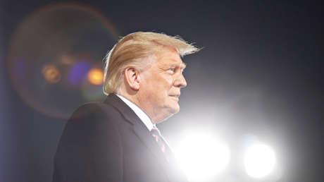 """Trump explica que al coronavirus lo llama """"virus de China"""" porque 'corona' """"suena como un lugar bonito de Italia"""""""