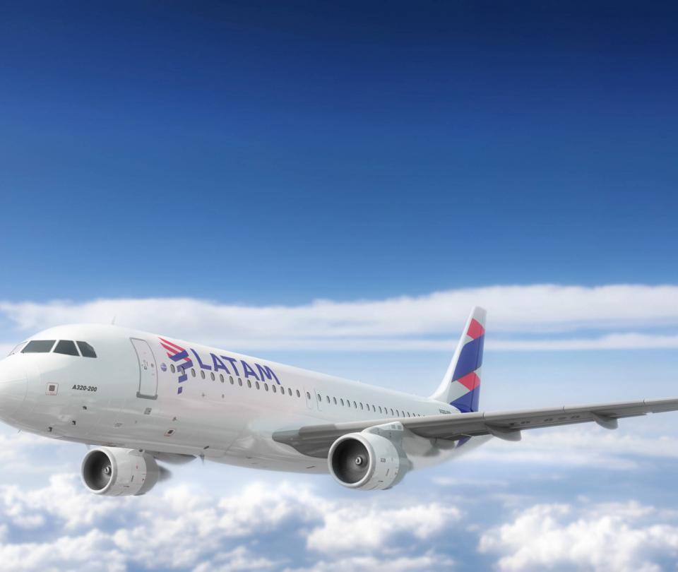 Vuelos. El fuerte plan de Latam Airlines para subir su presencia en Colombia - Empresas - Economía