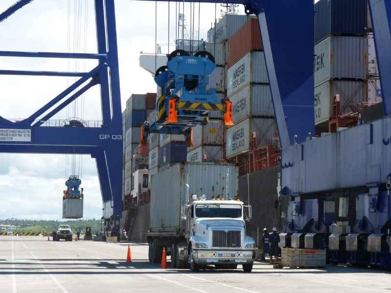 Por bloqueos, terminales marítimos de Buenaventura están llegando a su límite de capacidad