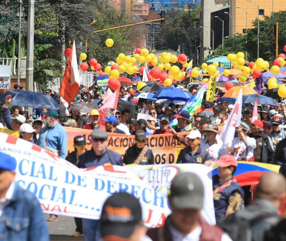 vea como transcurre el paro nacional en Colombia: medellin, cali, bucaramanga, barranquilla,villavicencio | movilizaciones, protestas,marchas| 21 octubre 2020 | Economía