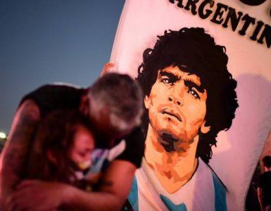 ¡El pueblo rinde homenaje! Buenos Aires estalla en aplausos por el '10' Maradona
