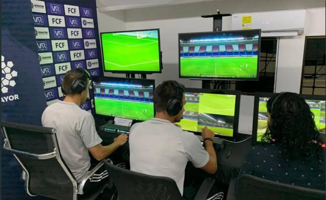 ¿Por qué se utiliza mal el videoarbitraje en el fútbol colombiano?