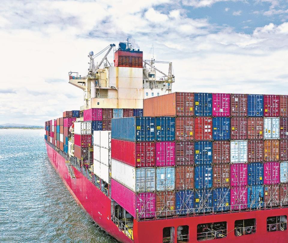 Escalas de barcos en la región cayeron un 11,7%   Economía