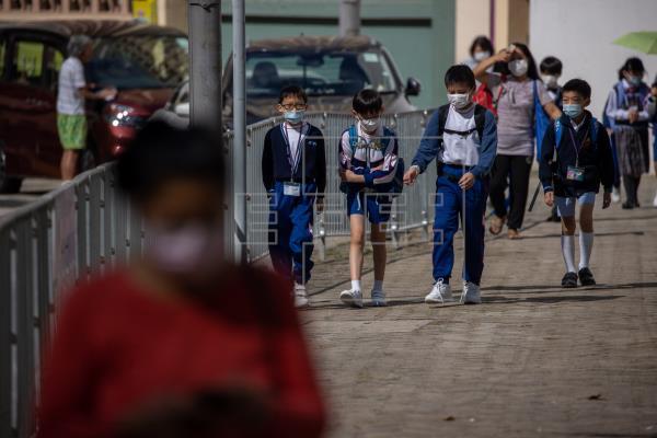 Hong Kong aumenta las restricciones para frenar la cuarta oleada de covid