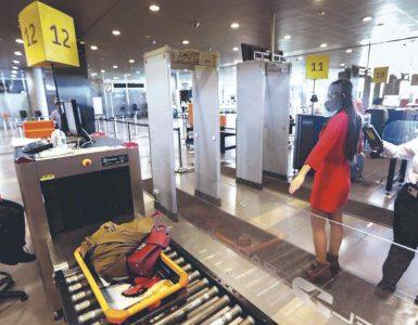 Prueba covid ya no es obligatoria para entrar a Colombia por vía aérea | Economía