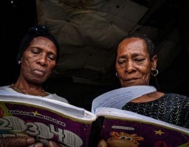 Los poemas que combaten el silencio que dejó el conflicto en Buenaventura