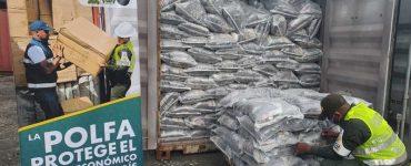 APREHENSION DE 01 CONTENEDOR DE ARENA PARA GATOS, POR UN VALOR COMERCIAL DE 90 MILLONES DE PESOS