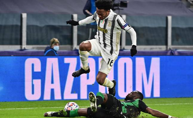 Barcelona y Juventus chocan por el liderato de grupo en Champions League