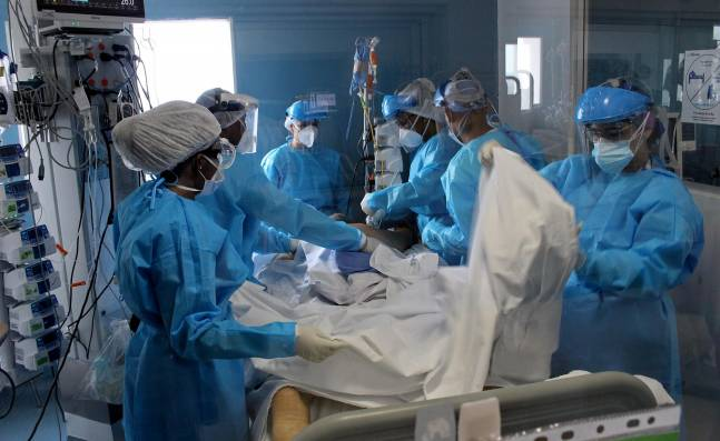 Cierran 110 camas UCI por escasez de medicamentos