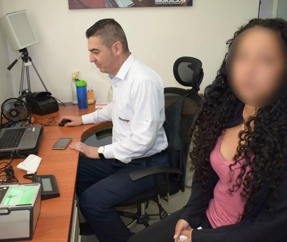 Pesadilla de abuela que confunden con delincuente peruana buscada por la Interpol - Cali - Colombia