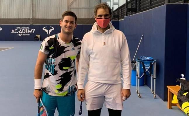 ¡Qué gran noticia! Nicolás Mejía prepara su temporada en la academia de Rafael Nadal