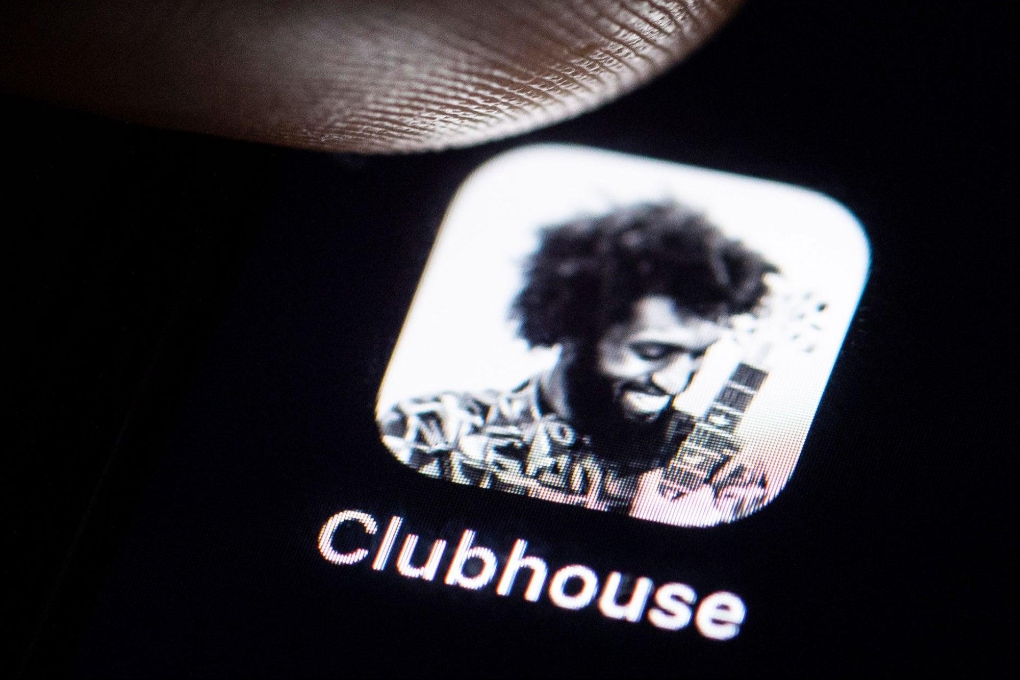 ¿Qué es Clubhouse y cómo lograr que te inviten?