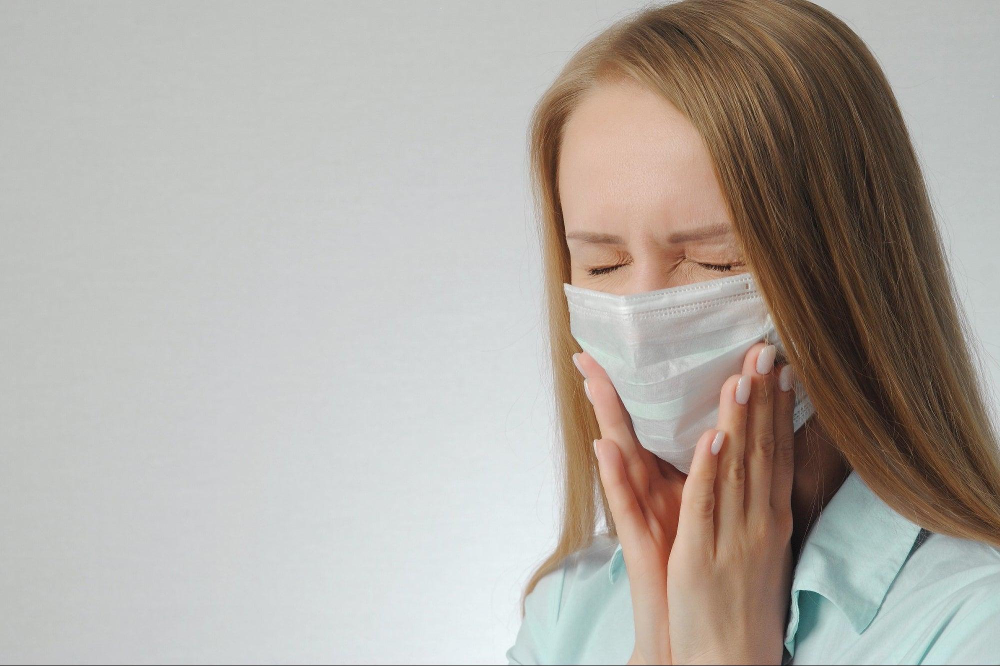 Aumentan los dolores de mandíbula: ¿Son por culpa del cubrebocas?