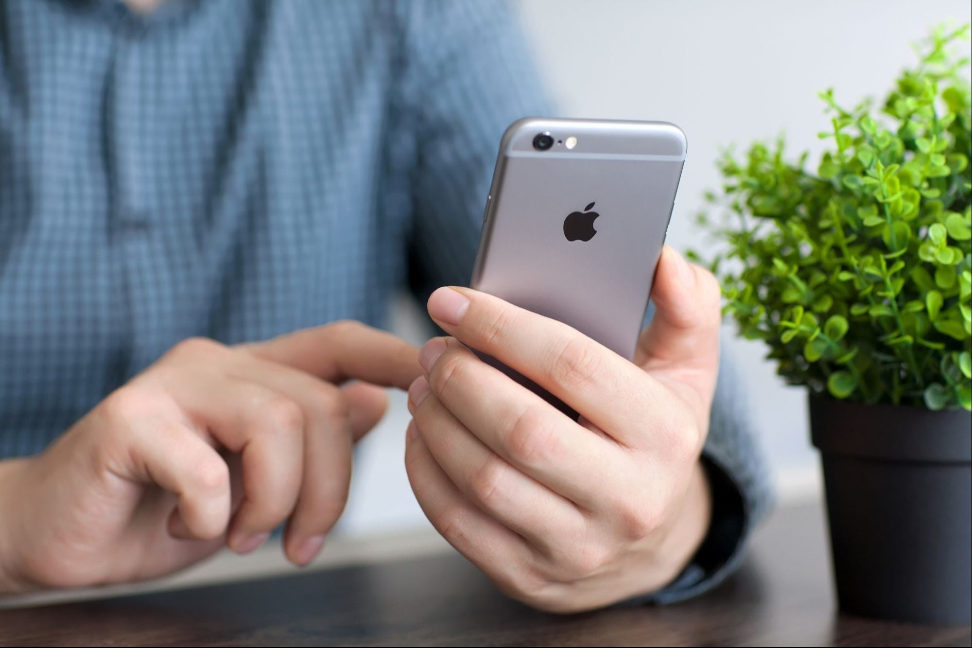 Apple enfrenta demanda por 1,400 millones de pesos, acusan obsolescencia programada del iPhone 6