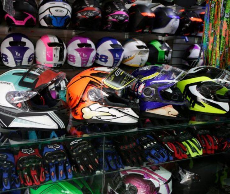 Atento a nueva reglamentación para el uso de cascos de motociclistas | Finanzas | Economía