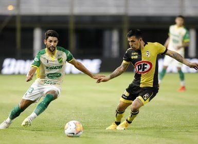 Defensa y Justicia visita a Coquimbo Unido en el partido de ida de la segunda semifinal de la Copa Sudamericana (REUTERS/Nathalia Aguilar).