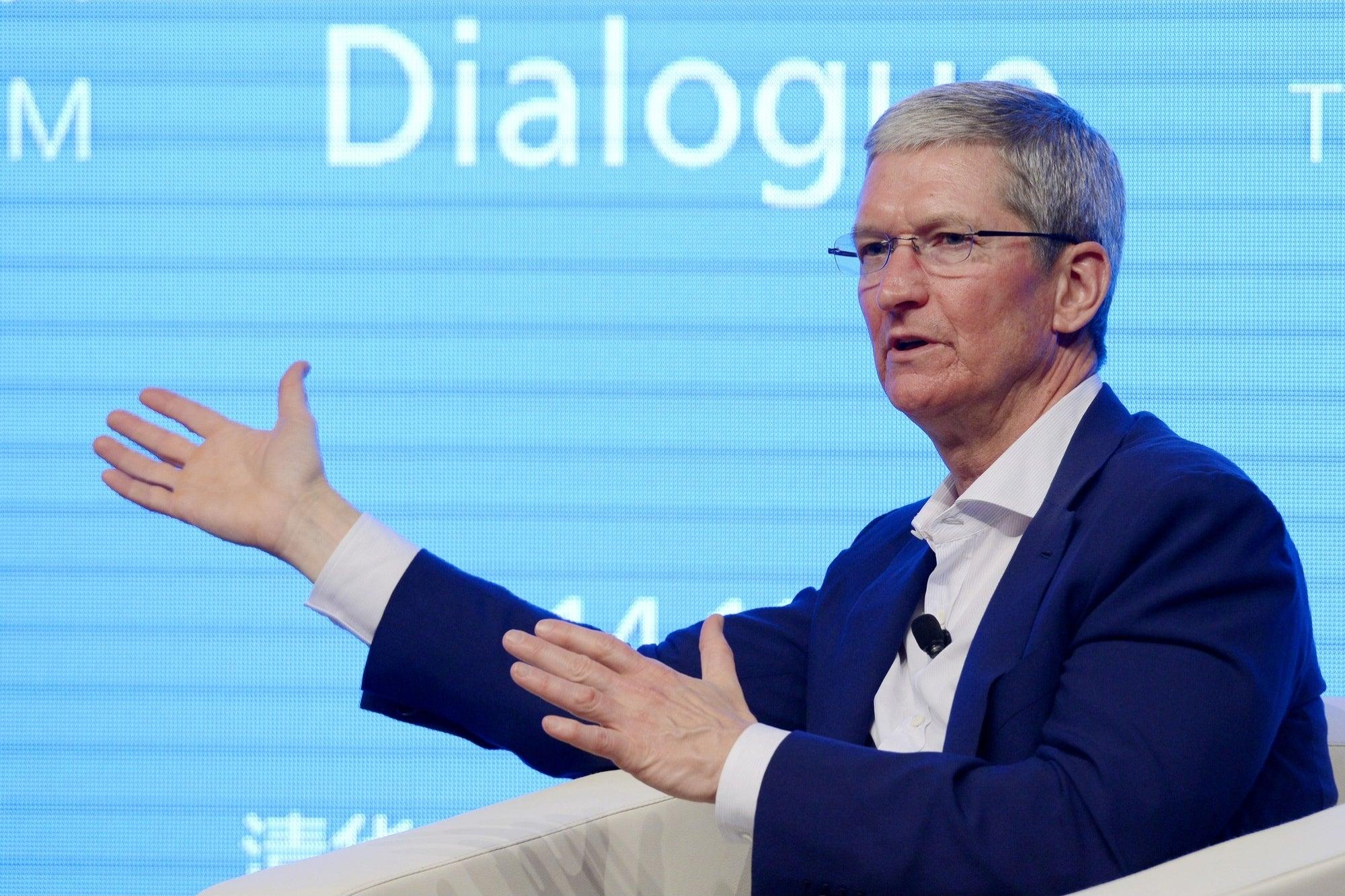 El CEO de Apple hace crítica de las redes sociales por la desinformación 'impulsada por algoritmos'