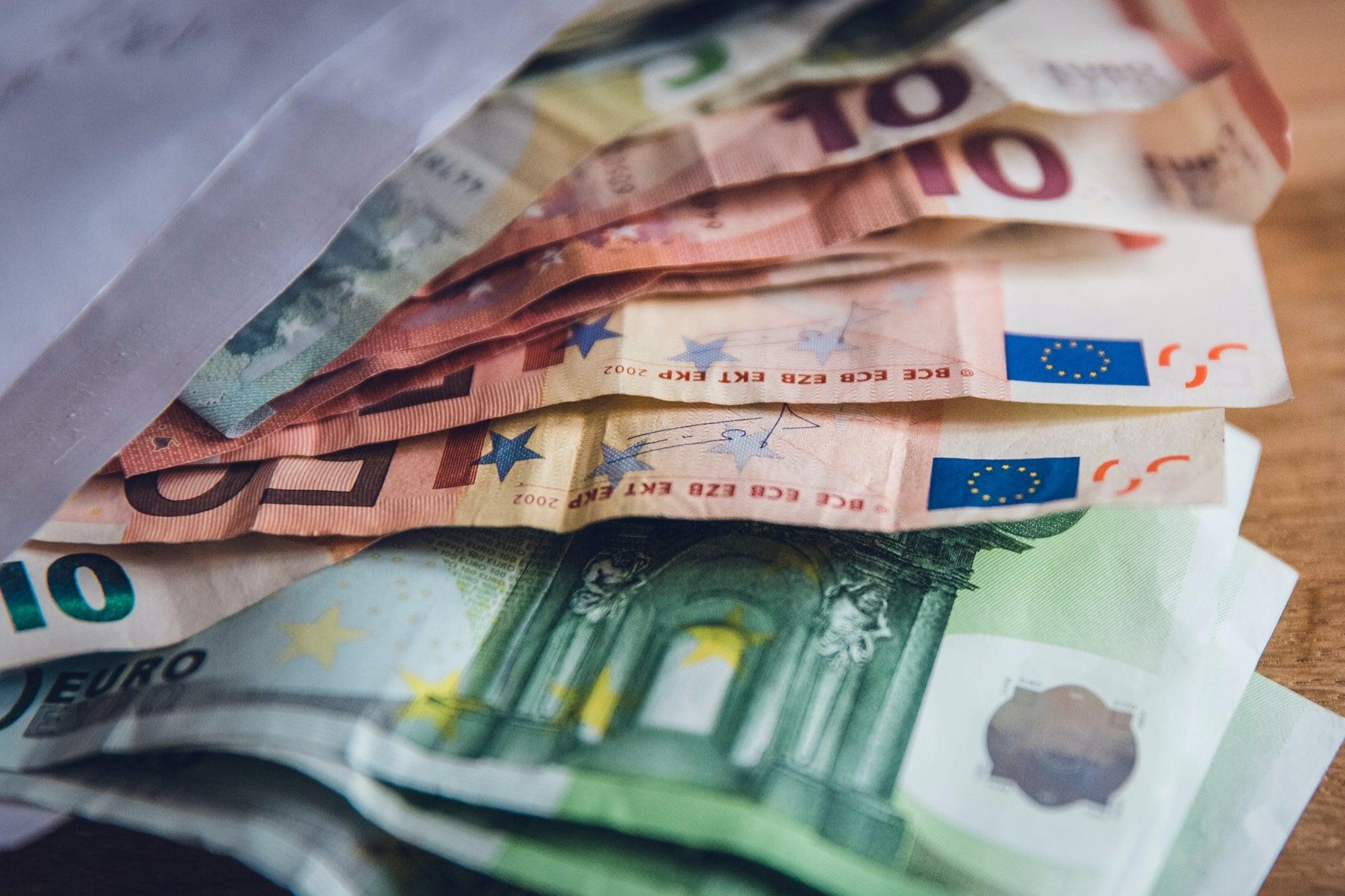 Esta es la mejor moneda extranjera para mantener tus ahorros seguros en 2021