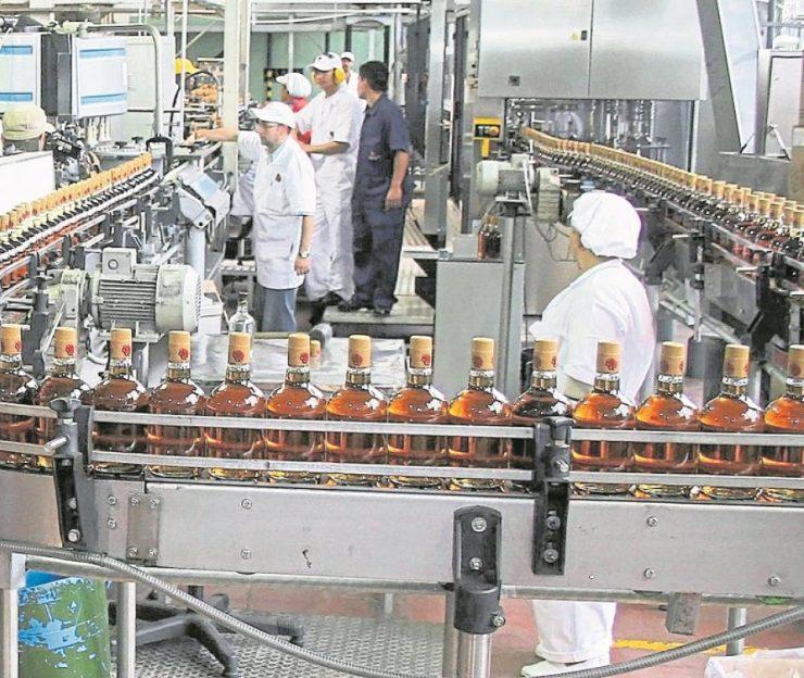 Industria licorera vendio 35 millones de bebidas alcohólicas menos en 2020 | Economía