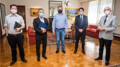 El embajador en ambos países, Sergio Urribarri, se reunió con varios ministros del Gabinete nacional