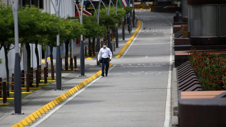 Toque de queda por puente de reyes en ciudades con alta ocupación UCI - Gobierno - Política