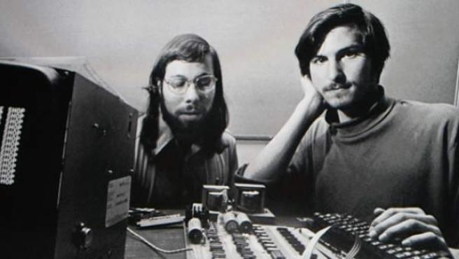 Steve Wozniak y Steve Jobs en los inicios de Apple.