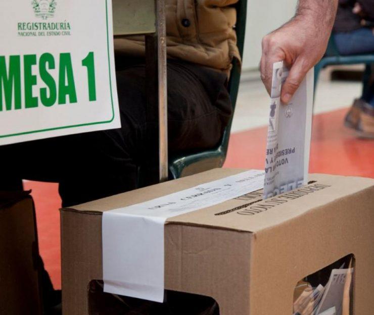 ¿Podrán los venezolanos que se regularán votar en las presidenciales?   Economía