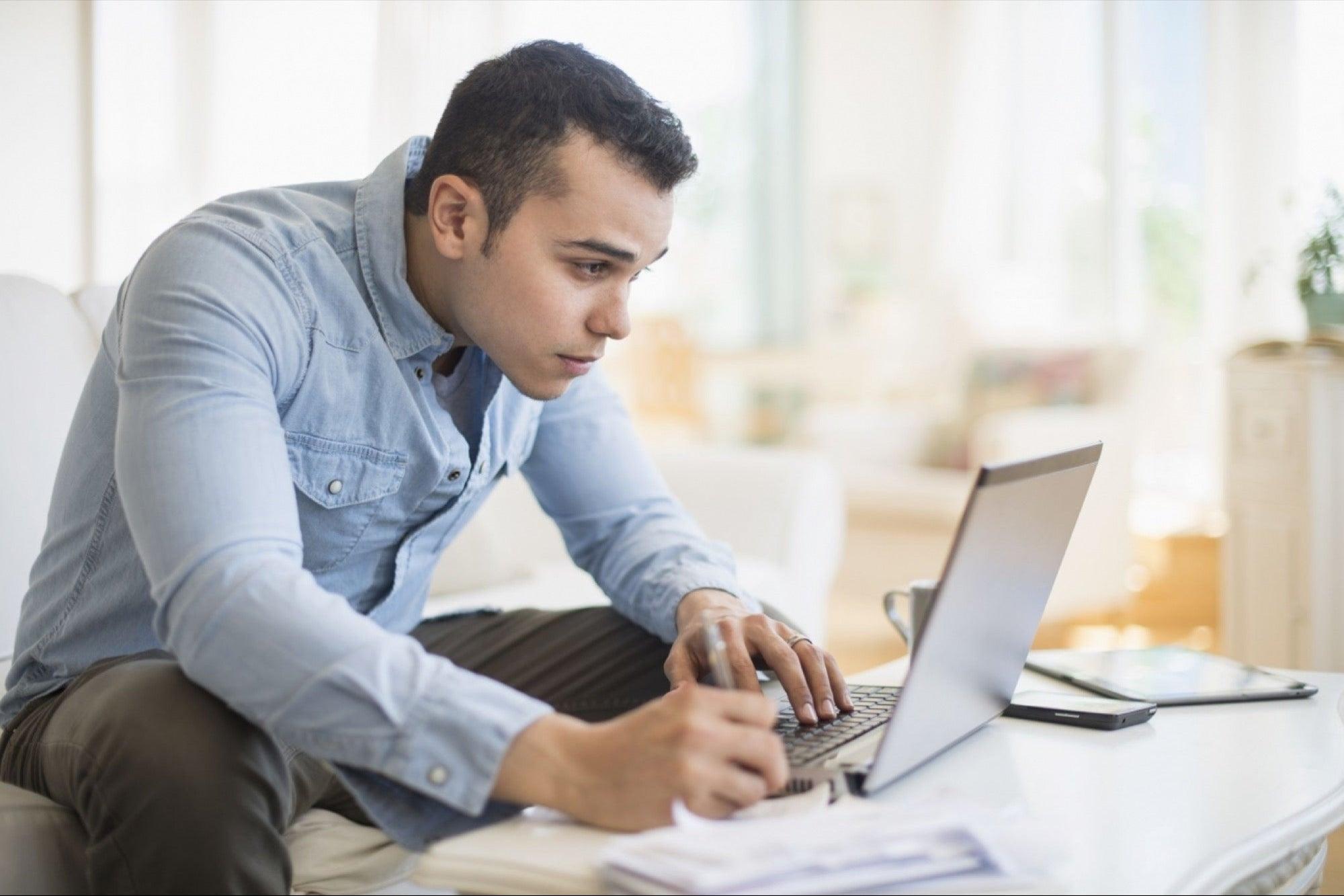 7 formas realistas de ganar dinero en línea