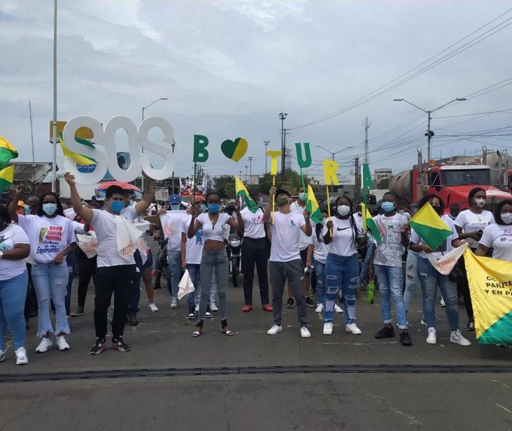 Buenaventura: 21 kilómetros de cadena humana para defender a Buenaventura - Cali - Colombia