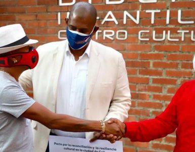 Disputa: Mulato y Ricardo Cabezas firmaron pacto por la reconciliación - Cali - Colombia