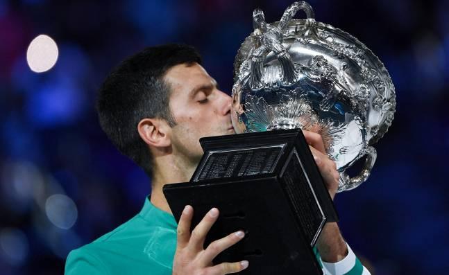 Djokovic se sobrepuso a su lesión para mantener su idilio con Australia