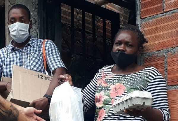 Las seis familias desplazadas de Buenaventura buscan apoyo en Quindío