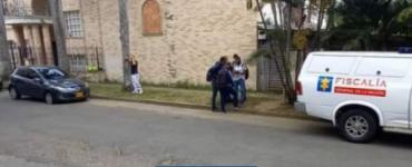 Hallaron cadáver de joven con soga al cuello, en un automóvil en Cali - Cali - Colombia
