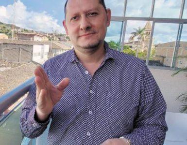 """""""Llevar a cabo 54 revocatorias de mandato puede costar $200 mil millones"""": Registrador Delegado"""
