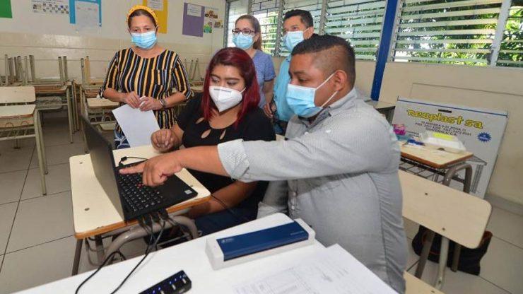 Militantes de Nuevas Ideas y GANA bloquean uso de tecnología para elecciones | Noticias de El Salvador