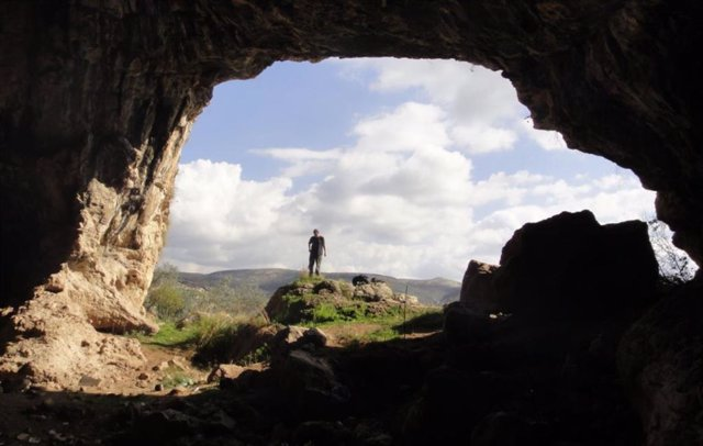 Acceso a la cueva de Shukbah