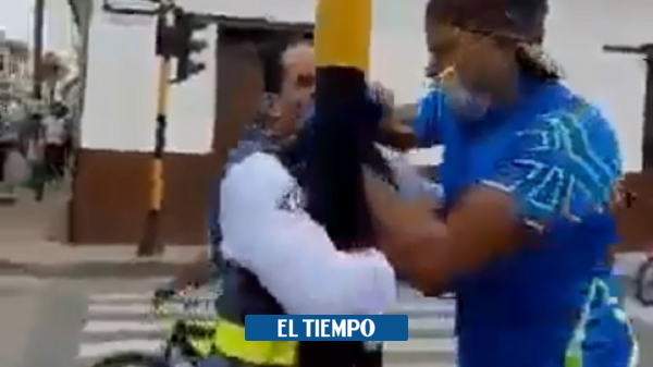 Orden publico: hombre se exalta y agrede a guarda de tránsito en el Cerrito - Otras Ciudades - Colombia