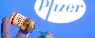 Pfizer y BioNTech están probando una tercera inyección para reforzar su vacuna COVID-19 contra nuevas variantes